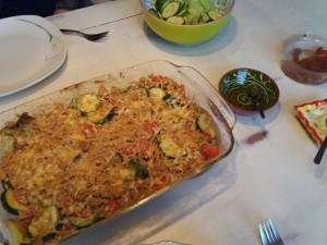 Pasta uit de oven met roomkaas light, pesto en zongedroogde tomaatjes